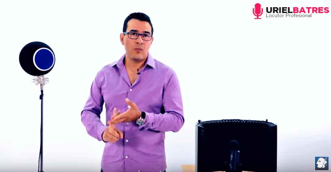 Uriel Batres Cabina portatil